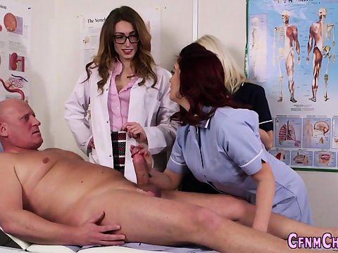 гости врач дрочит член пациенту при жене таким